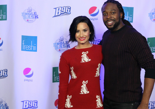Demi and J backstage at Jingle Bash '15